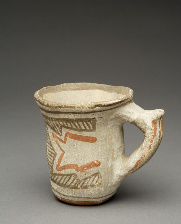 """""""The Leaning Pitcher"""": Early Zuni Polychrome cup with Ethnographic Use"""